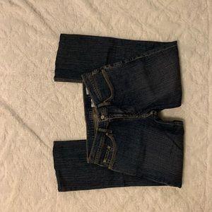 Levi's 29m dark wash jeans